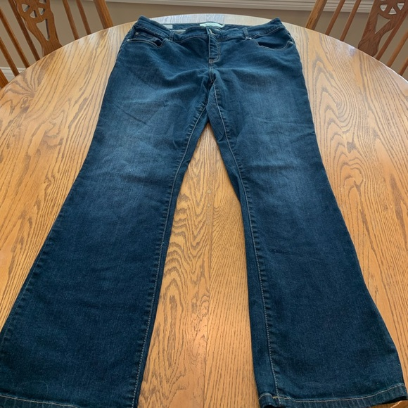 """Torrid Relaxed Boot Jeans 16R High Rise 31"""" ins"""
